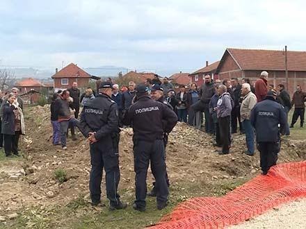 Selo protiv ROMA, policija štiti gradilište