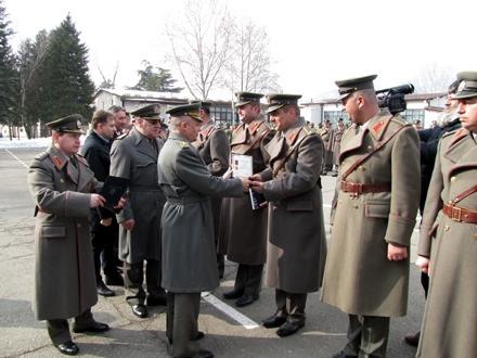 Medalje i pohvale najboljima uručio je general Simović FOTO: D.Ristić
