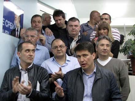 SNS i SPS zajedno slave predsedničku pobedu FOTO OK Radio