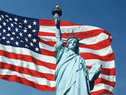 Američka zastava i Statua Liberty