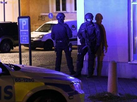 Dve osobe su u teškom stanju FOTO: svd.se
