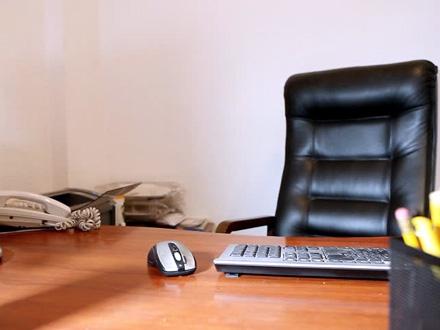 Niška preduzeća ormalno bez direktora FOTO: Shuuterstock