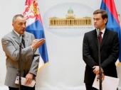 Opozicija: Vučić obmanjuje narod