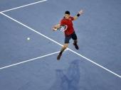 Novak do pobede u tri seta