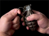 NI: Bačena bomba u privatno dvorište