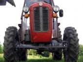 Teško povređen traktorista