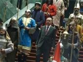 Erdogan dočekuje goste kao sultan