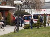 Maskirani napadači pretukli goste u kafiću