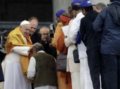 Papa iznenadio beskućnike