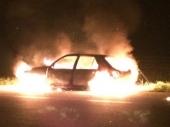 TAJNA NA AUTOPUTU: Izgoreo auto, nadležni ćute
