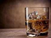 Oblik čaše utiče na brzinu ispijanja alkohola