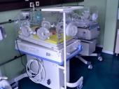 Inkubator i vozilo Kliničkom centru