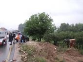 TEŠKA SAOBRAĆAJKA: Šleper oduvao dva automobila! (FOTO)