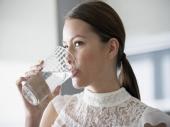 Pili su 500 ml vode pre obroka 12 nedelja: Evo šta se dogodilo