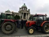 Traktori ispred Skupštine
