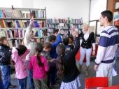 Mladi volontiraju u Biblioteci