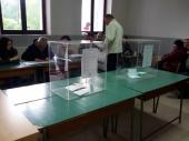 Počeli izbori, otvorena sva biračka mesta