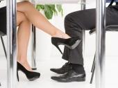 Kako preživeti romansu na poslu i ostati nekažnjen?