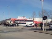 PRISTIŽU AUTOBUSI, Hala tesna za sve pristalice SNS-a (FOTO)