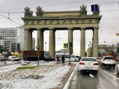 Bele koke s neba pale, Sankt Peterburg zatrpale
