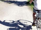 Biciklista teško povredio PEŠAKA